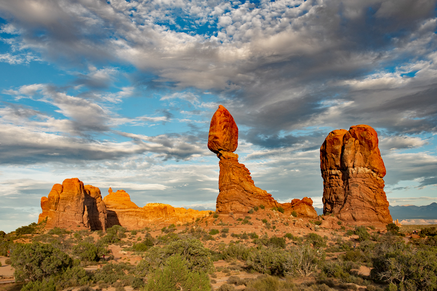 Utah-Arches N.P : Balanced rock